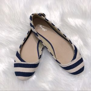 Wanted-Ahoy Nautical Navy blue striped flats-Sz 7